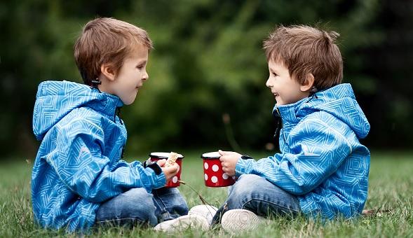 ChildrenTalking_Small