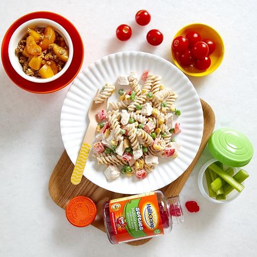 Twirly Chicken Pasta Salad + Peach and Mandarin Granola Pots